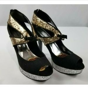 Velvet Heart Black Gold Silver Glitzy Pumps 8.5M